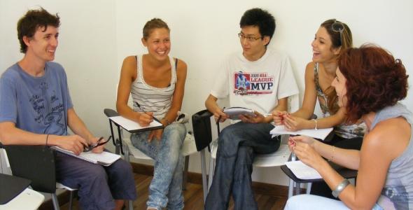 Kursy Przygotowujące do Egzaminu Wstępnego na UNED, Hispania, escuela d español